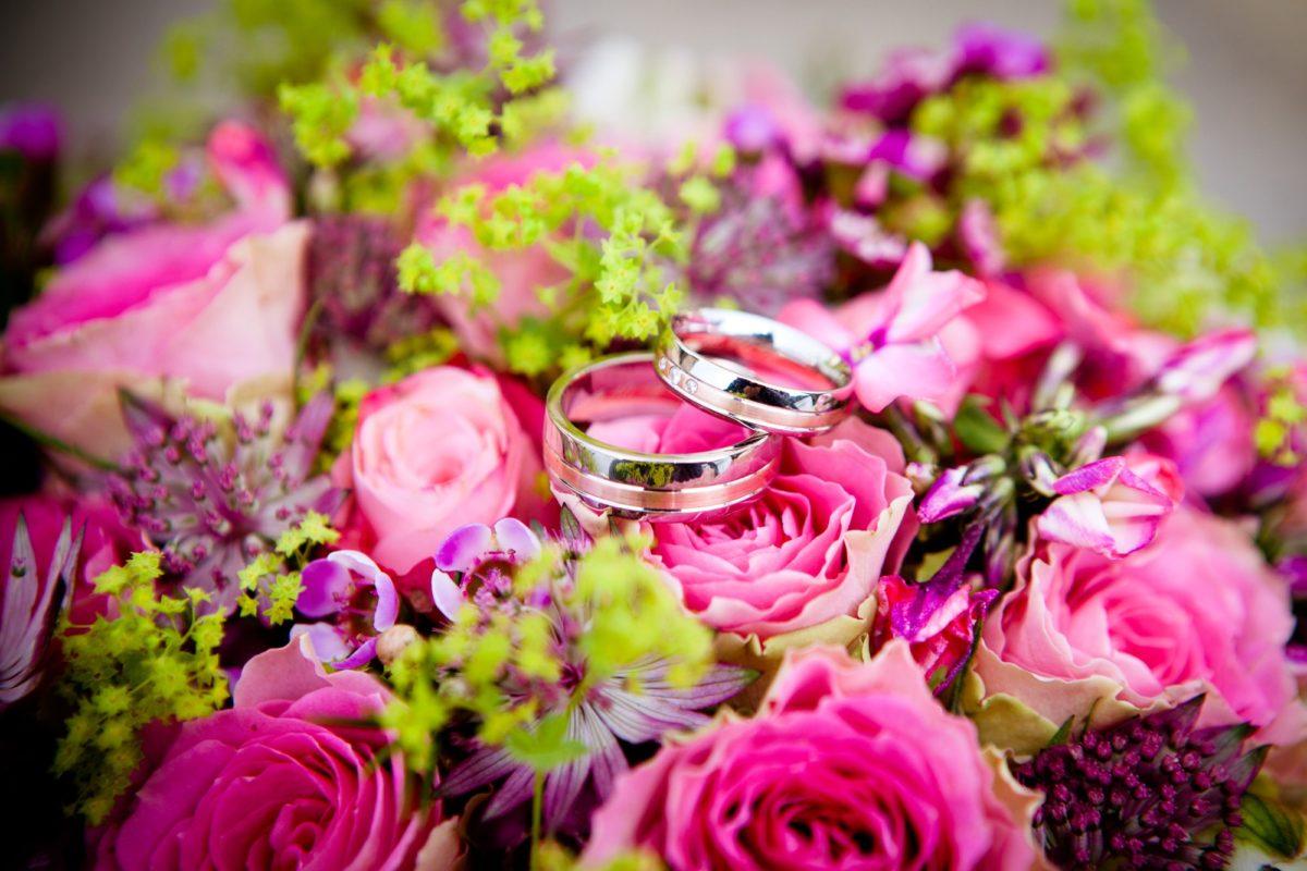 bouquet da sposa fucsia e verde
