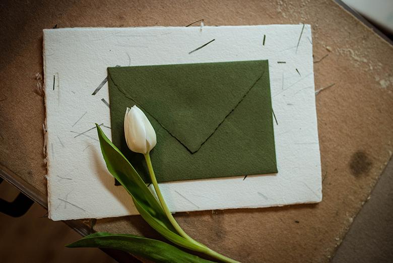 Cosa-scrivere-sulle-buste-contenenti-gli-inviti-matrimonio.png